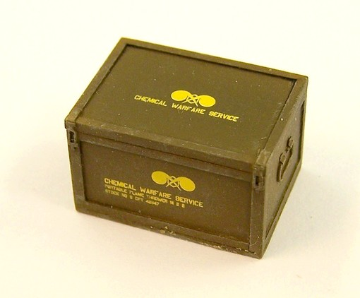 Box for US fleme thrower - Image 1