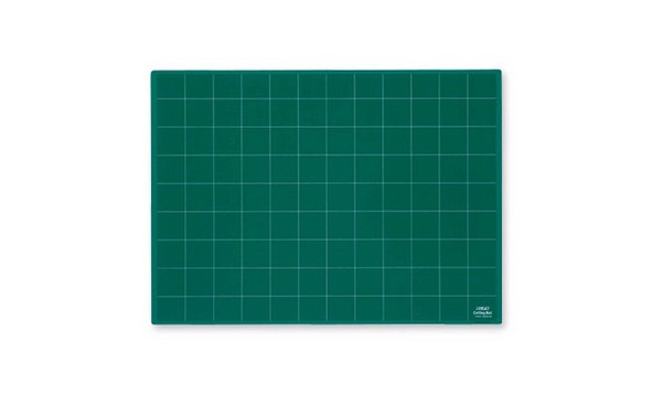 "18"" x 24"" Self-Healing Cutting Mat - Green (NCM-M) - Image 1"