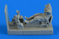 Soviet Woman Gunner WWII with seat for Po-2 Figurines ICM