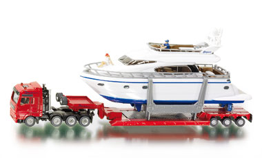 Heavy Haulage Transporter with Yacht - Image 1
