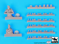 King Tiger tank crew plus detail set for Tamiya