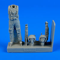 Soviet Pilot with life jacket - the Cold War period Figurines