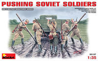 Pushing Soviet Soldiers (1939-1945)