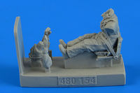 Soviet Woman Pilot WWII with seat for Po-2 Figurines ICM