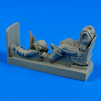 R.A.F. pilot with seat for Spitfire Figurines - Image 1