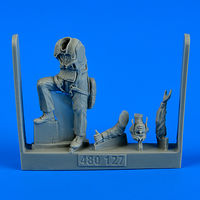 US Navy Pilot WWII - Pacific Theatre Figurines - Image 1